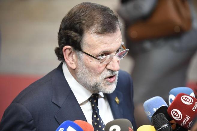 Mariano Rajoy responde a los medios este jueves en Bruselas.