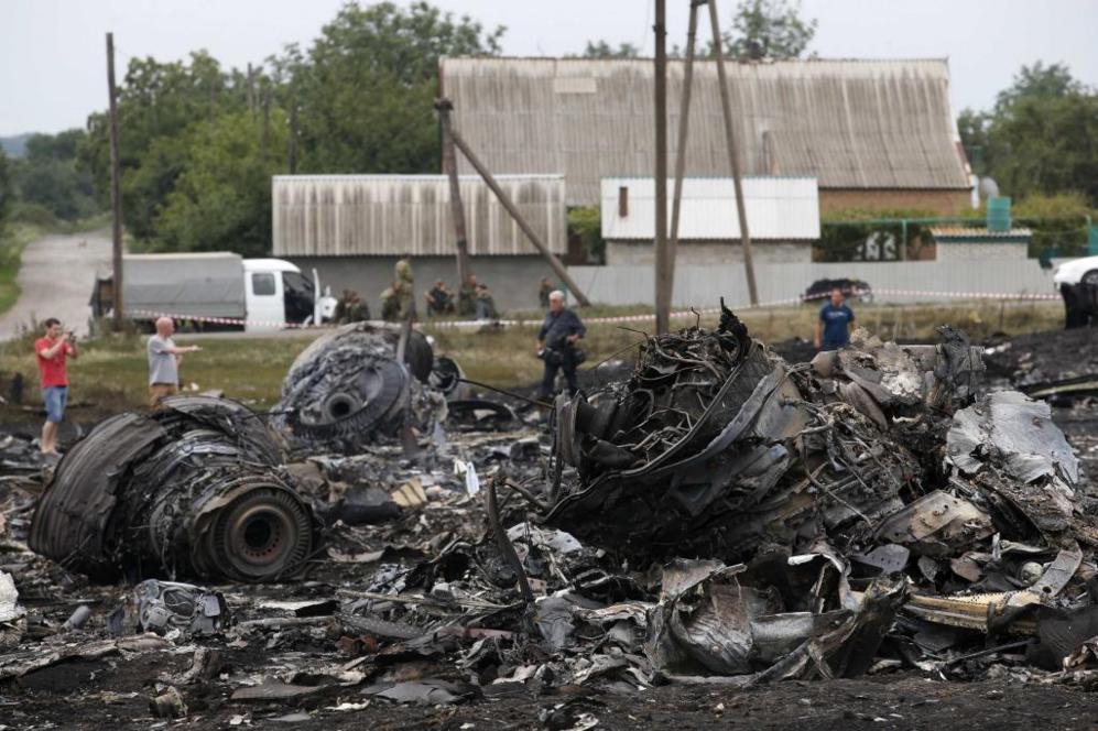 Restos del Boeing 777 de Malaysia Airlines accidentado
