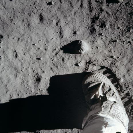 El pie de Amstrong en la Luna