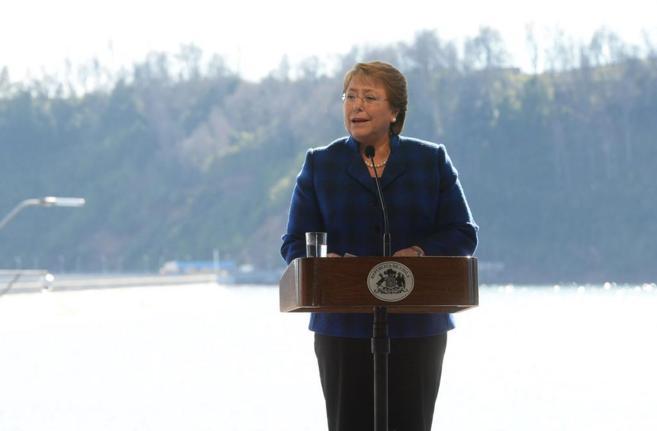 Michelle Bachelet durante la inauguración de la central...