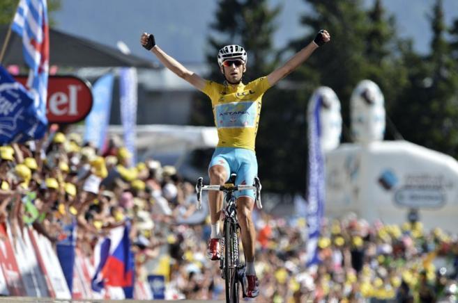 Nibali en el momento de coronar Chamrousse y ganar su tercera etapa en...