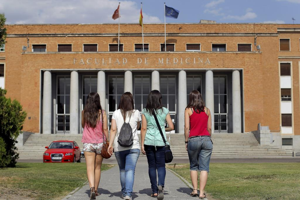 chicas universitarias madrid