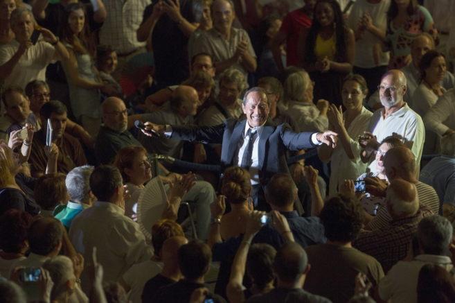 El cantante estadounidense Paul Anka, durante el concierto de este...