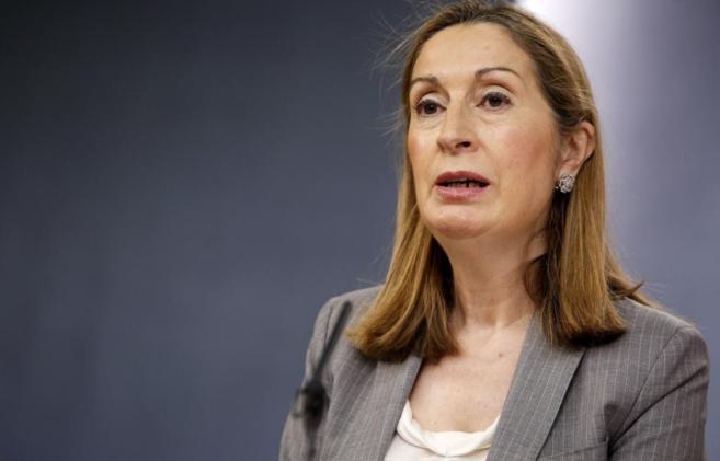Ana Pastor, ministra de Fomento y responsable estatal de la política...