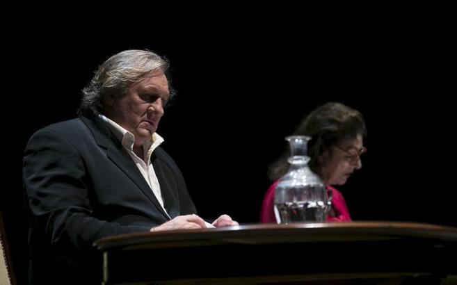 Gérard Depardieu y Anouk Aimée, en un momento de la representación...