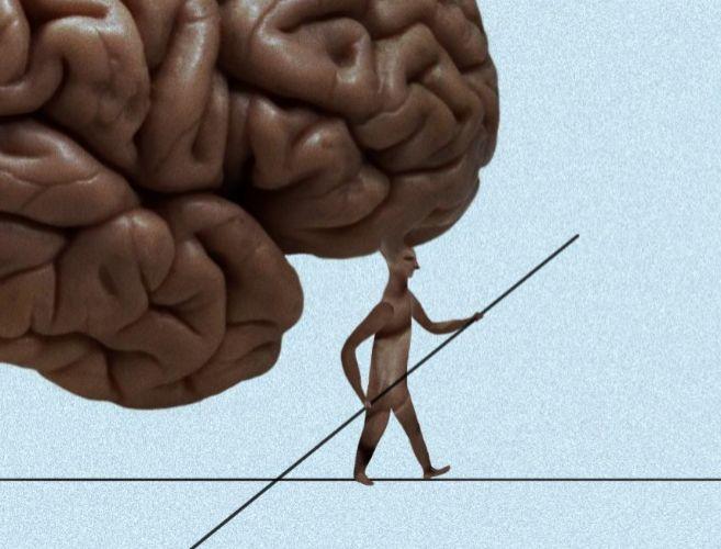 Una ilustración muestra a un hombre con un gran cerebro caminando por...