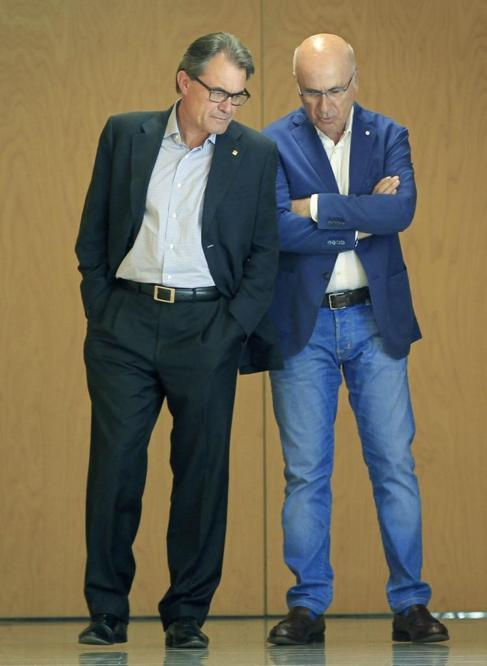 El presidente catalán, Artur Mas, y Josep Antoni Duran Lleida, el...