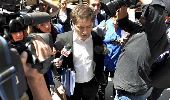 El ministro de Economía argentino, Axel Kicillof, acudiendo a una...