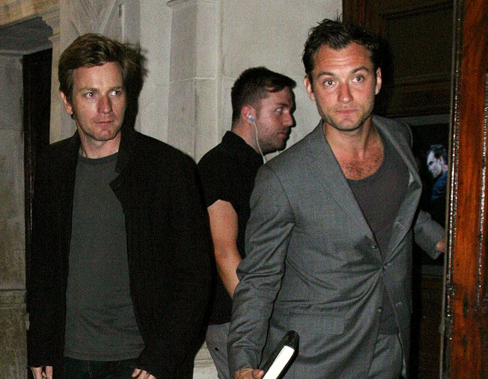 Jude Law y Ewan McGregor. Los actores Jude Law (41) y Ewan McGregor...