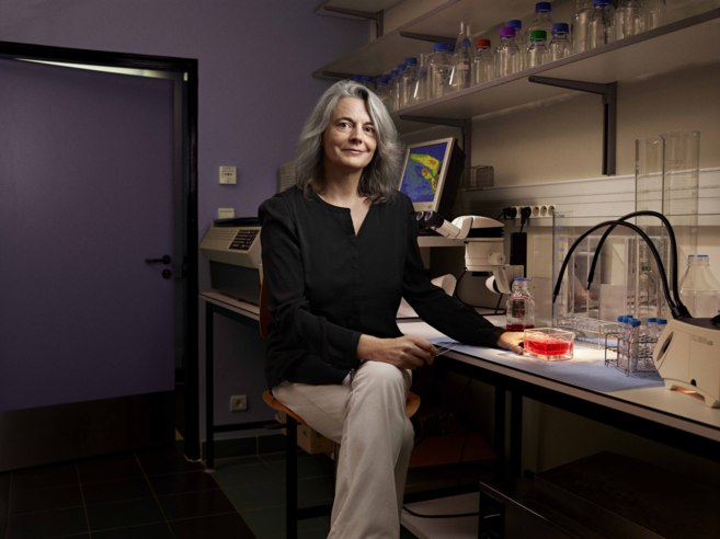 Brigitte Kieffer, en su laboratorio.