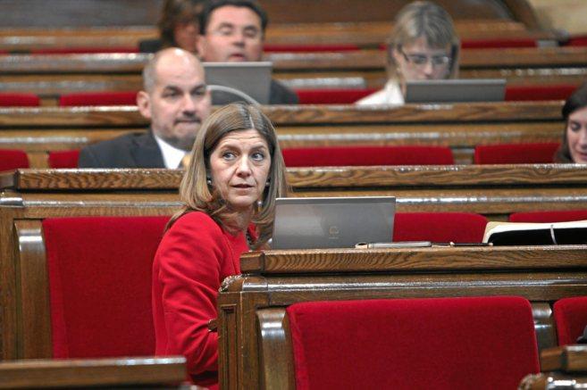 La diputada del PP María José García Cuevas, en el Parlament.