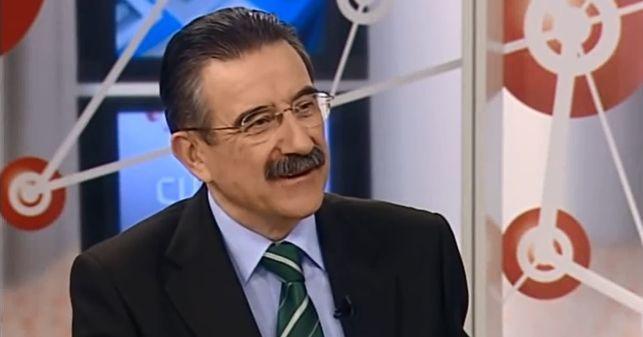 El Periodista José Luis Torró, durante un programa de Canal 9.