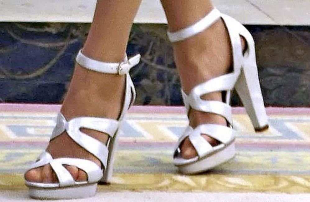 55822ca9465 Los 20 pares de zapatos de Magrit que se calza Letizia - Sandalias ...