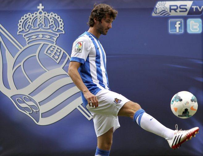 El futbolista Esteban Granero durante su presentación como nuevo...