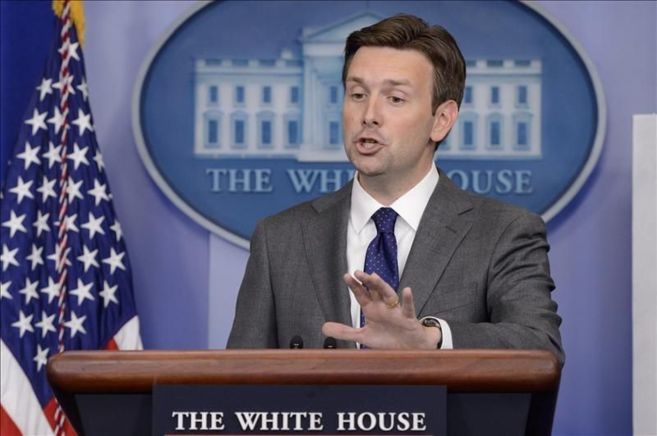 El portavoz de John Earnest durante una rueda de prensa en La Casa...