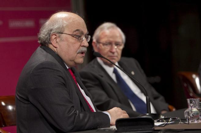 El Conseller Mas Colell junto a Miquel Valls en la Càmara de Comercio...