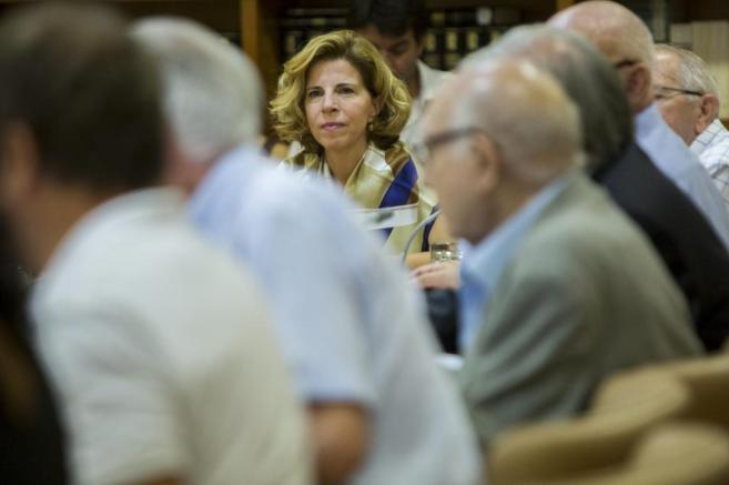 Sole Giménez, durante su primera reunión como miembro del Consell...