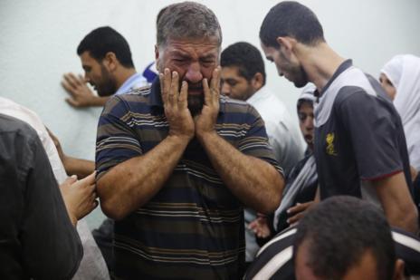 Duelo en la morgue de Beit Lahita.