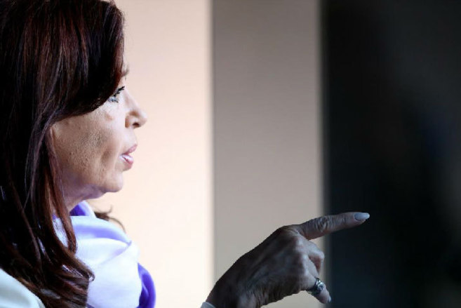 La presidenta de Argentina, Cristina Kirchner, tras una reciente...