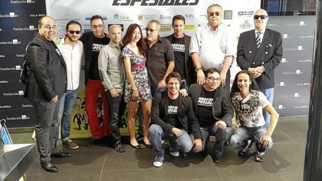 Parte del equipo principal de la película  y su director  en Madrid.