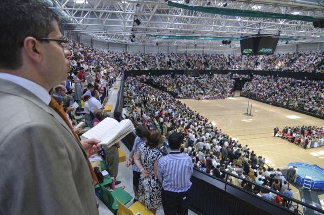 Reunión de testigos de Jehová en el Palacio de Deportes de...