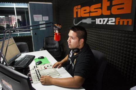 Radio Fiesta FM, una de las radios latinas.