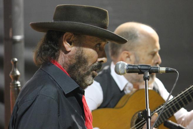 El Cabrero y el guitarrista Rafael Rodríguez 'Cabeza',...