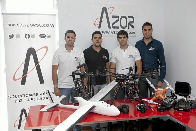 Los cuatro artífices de la compañía cordobesa Azor, dedicada al...