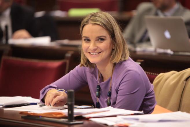 La portavoz adjunta del grupo parlamentario del PP, Marga Prohens.