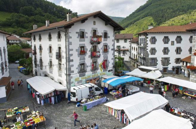La plaza de Leiza, en Navarra, 'plató' de la película.