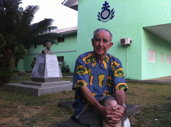 El religioso toledano Miguel Pajares, en Monrovia (Liberia).