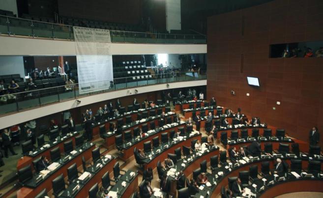 El Senado mexicano aprueba la reforma energética.