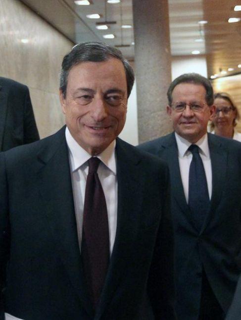 El presidente del BCE, Mario Draghi a su llegada a la rueda de prensa...