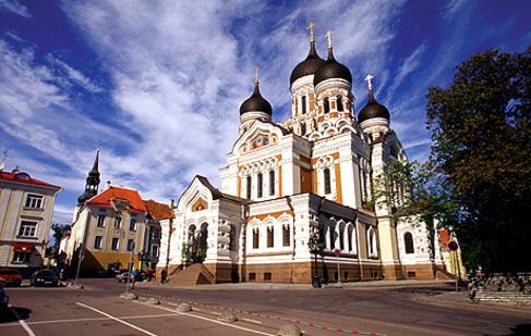 La catedral ortodoxa de Aleksander Newsky en la colina de Toompea, en...