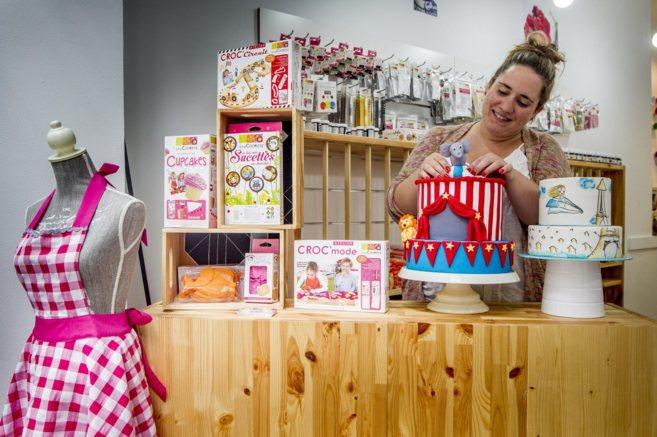La tienda Coolkies de Bilbao ofrece cursos de repostería creativa,...