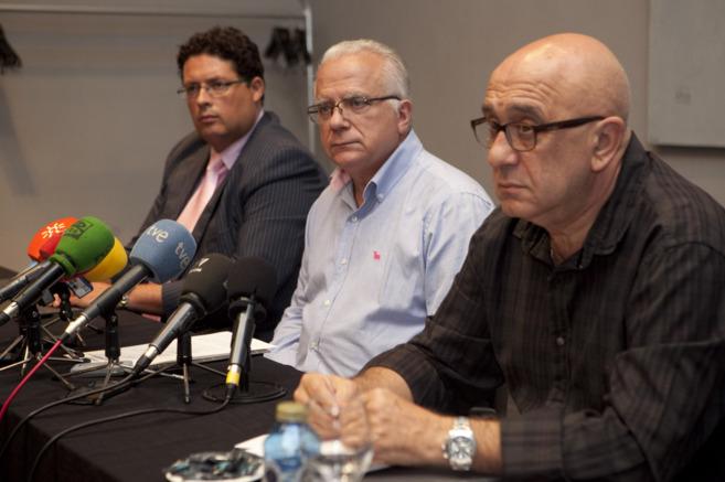 Los representantes de Global Aeronáutica explican la situación de la...