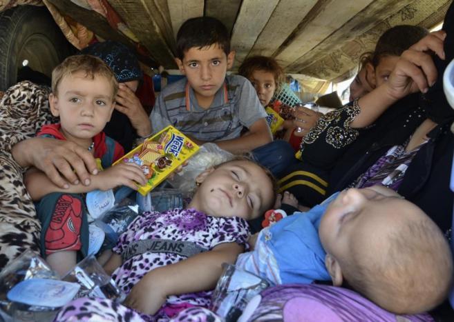 Refugiados de la provincia de Nínive escapan del Estado Islámico...