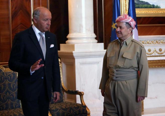 Laurent Fabius, ministro de Exteriores francés, ayer, con Massoud...