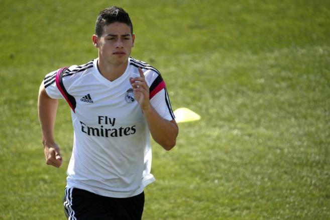 James Rodríguez se entrena con el Real Madrid.