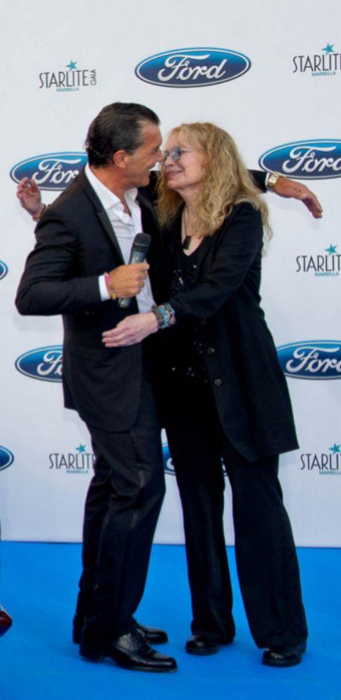 El beso entre Mia Farrow y Antonio Banderas no fue como el de la...