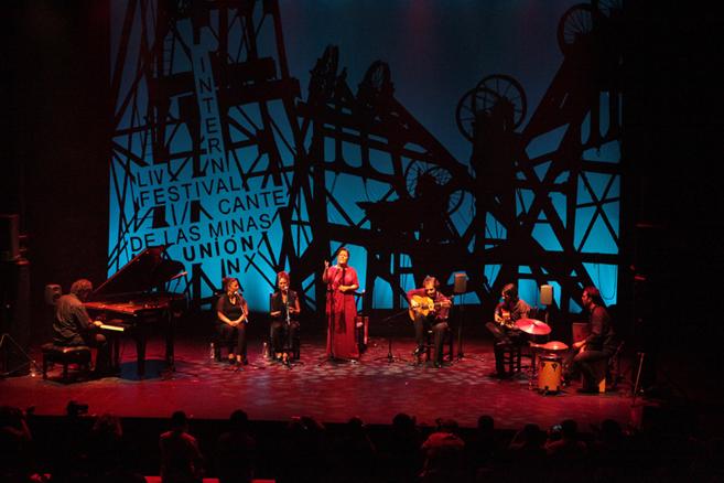 Carmen Linares en el Festival de Cante de las Minas.