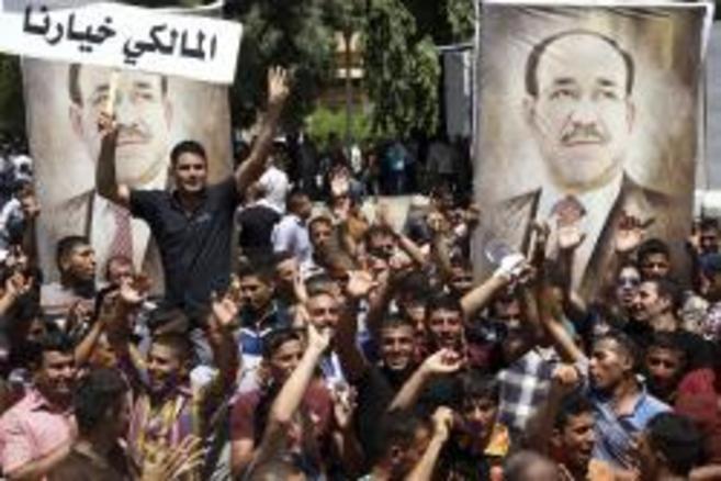 Partidarios de Maliki muestran su apoyo al primer ministro en las...