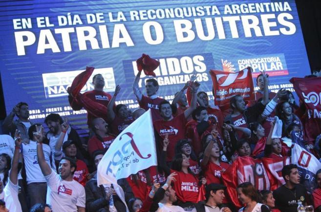 Acto en el 'Luna Park' de Buenos Aires  contra la actitud de...