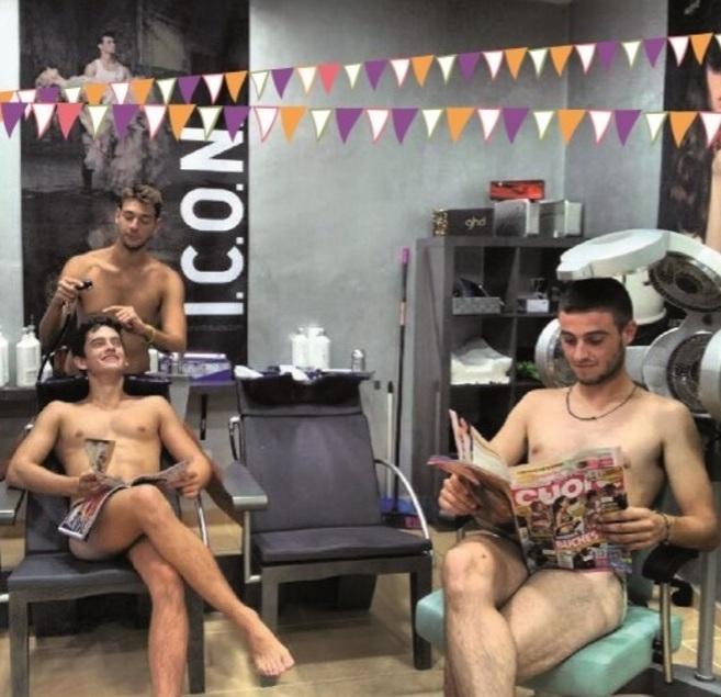 Polémico Desnudo En El Programa De Fiestas De Puigpunyent Baleares