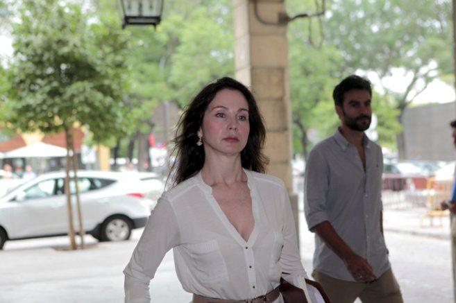 La instructora del caso de los ERE, Mercedes Alaya, llega al juzgado...