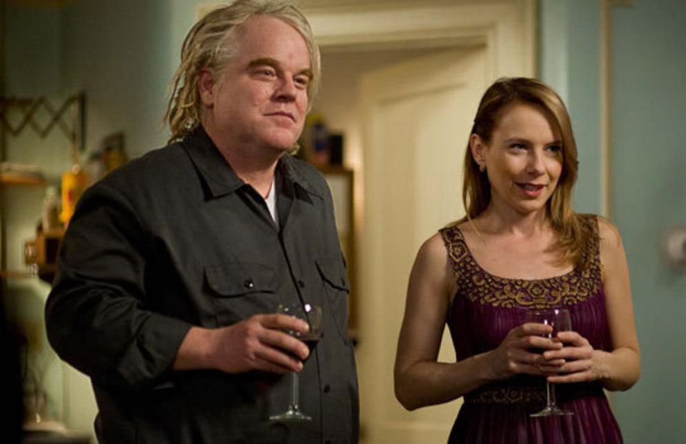 Jack y Connie, interpretados por Phillip Seymour Hoffman y Amy Ryan en...