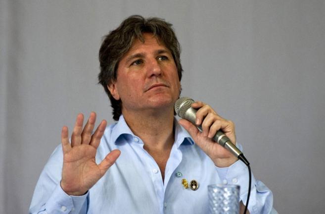 Amado Boudou durante una conferencia en la Universidad de El Salvador.
