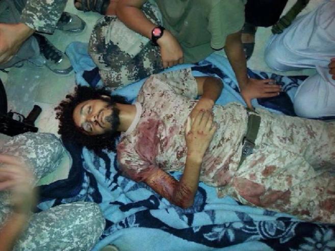 Salahedin Ghaitun, velado por otros yihadistas tras su muerte.