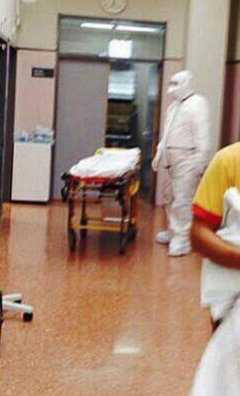 Interior del hospital de San Juan de Alicante, con el personal...