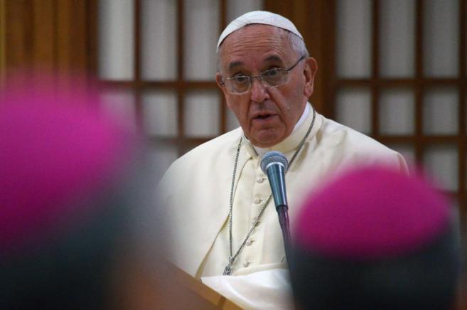 El Papa durante su encuentro con obispos asiáticos.